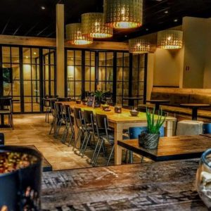 meating place kolmen afhaal levering restaurant